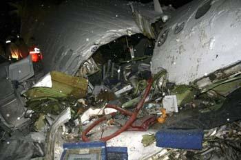 İranda uçak düştü: 70 ölü galerisi resim 7