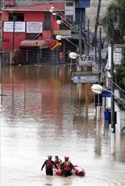 Brezilyada sel suları 270 can aldı galerisi resim 6
