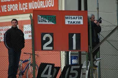 Ilgazspor Yapraklı Belediyespor engelini 2-1le geçti galerisi resim 10