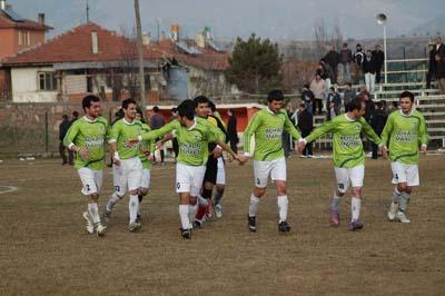 Ilgazspor Yapraklı Belediyespor engelini 2-1le geçti galerisi resim 11