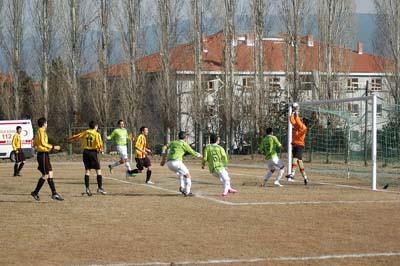 Ilgazspor Yapraklı Belediyespor engelini 2-1le geçti galerisi resim 12