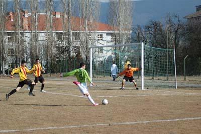 Ilgazspor Yapraklı Belediyespor engelini 2-1le geçti galerisi resim 13