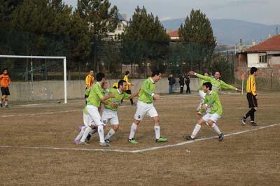 Ilgazspor Yapraklı Belediyespor engelini 2-1le geçti galerisi resim 2