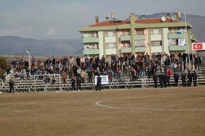 Ilgazspor Yapraklı Belediyespor engelini 2-1le geçti galerisi resim 4