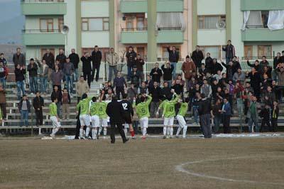 Ilgazspor Yapraklı Belediyespor engelini 2-1le geçti galerisi resim 8
