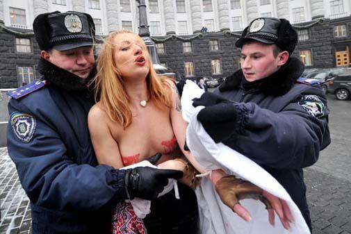 Ukraynada FEMEN Protestoları galerisi resim 10