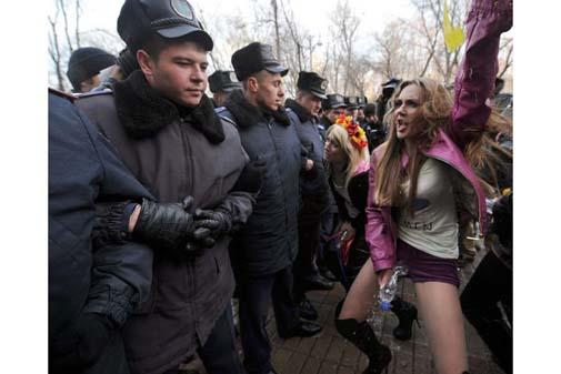 Ukraynada FEMEN Protestoları galerisi resim 13
