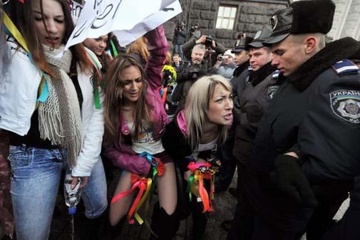 Ukraynada FEMEN Protestoları galerisi resim 15