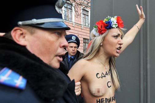 Ukraynada FEMEN Protestoları galerisi resim 19