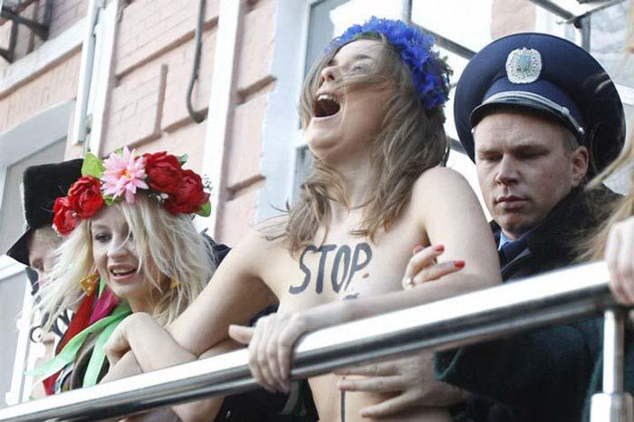 Ukraynada FEMEN Protestoları galerisi resim 20