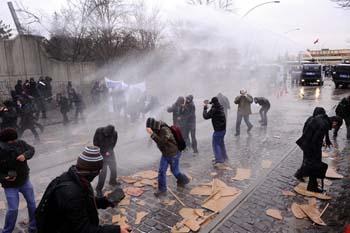 Ankarada öğrencilere polis müdahalesi galerisi resim 1