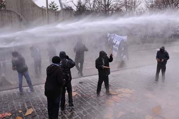 Ankarada öğrencilere polis müdahalesi galerisi resim 3