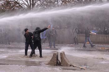 Ankarada öğrencilere polis müdahalesi galerisi resim 4