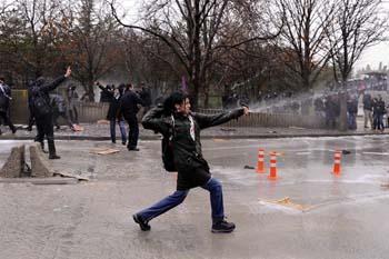 Ankarada öğrencilere polis müdahalesi galerisi resim 5