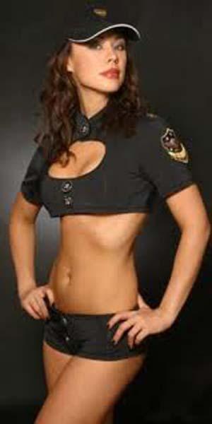 Dünyadan göze hoş gelen kadın polisler galerisi resim 6