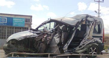 Özel araç otobüsle çarpıştı: 1 ölü!