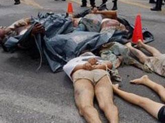 Meksikada 15 kişiyi öldürüp otoyola attılar!