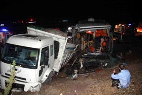 Kaza değil katliam! 9 ölü 45 yaralı