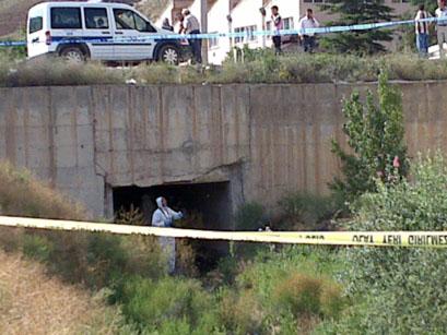 FLAŞ... FLAŞ...  Yapraklı yolunda kanal içinde başsız erkek cesedi!