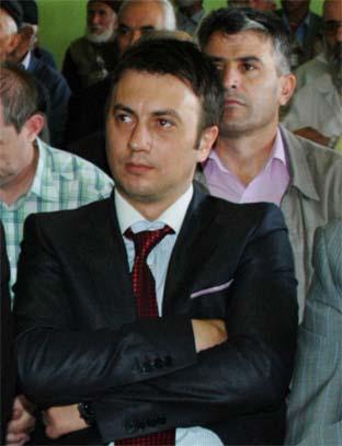 Erkan Köroğlu, istifanın eşiğinden döndü