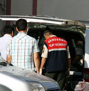 Uzman Çavuş polis otosunda intihar etti