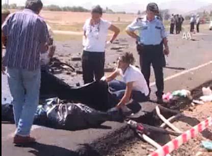 Kayserideki kazada 3 kişi yanarak can verdi