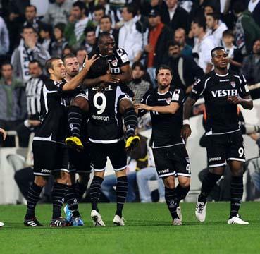 Manisaspor, Beşiktaşı evinde vurdu: 3-2