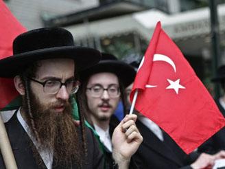 Kınıklıoğlu: İsrail hükümeti çizmeyi aştı