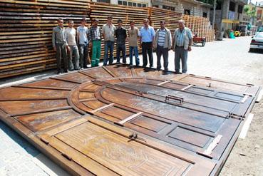Iraktaki sergi sarayının kapısı Tosyadan
