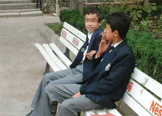 Okulda sigara içen öğrenci yandı!