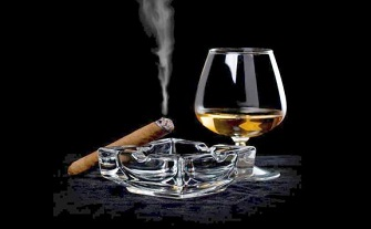Sigara ve alkole zam geldi