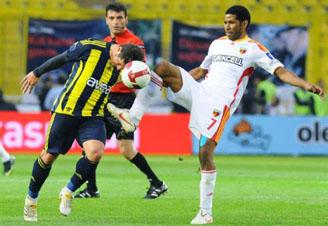 Fenerbahçe Kayseri engelini 2-0la aştı!