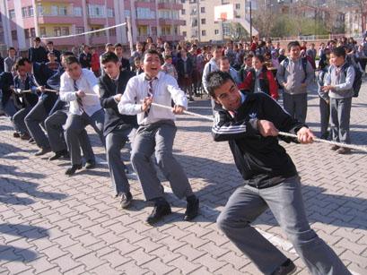Gazi Anadolu Lisesi de Nevruz'u kutladı