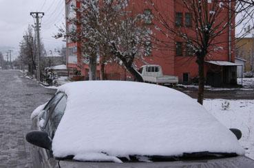 Çerkeşte çiftçiyi sevindiren kar yağışı!