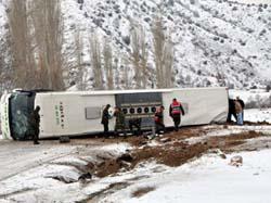 Sivasta otobüs devrildi: 53 yaralı