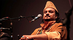 Pakistan'da ünlü şarkıcı öldürüldü