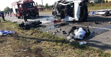 Sakarya'da feci kaza: 7 ölü, 2 yaralı