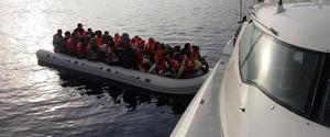 İzmir'de göçmen teknesi battı: 4 ölü, 30 kişi kayıp