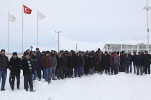 Kurşunlu seramik fabrikası işçilerinden karda-kışta eylem