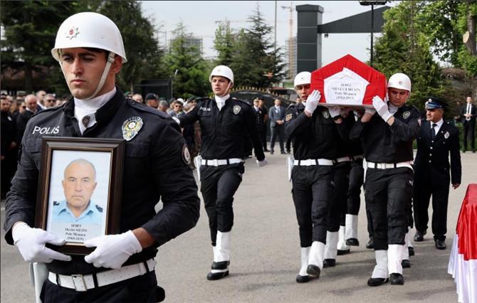 Şehit polis memuru Mevlüt Metin'e devlet töreni