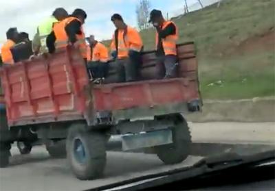 Çankırı Belediye işçileri römork üzerinde mesaiye gidiyorlar!