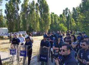 Sabah sabah polis ODTÜ'ye girdi!