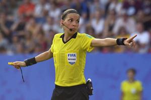 UEFA Süper Kupa'ya kadın hakem atadı