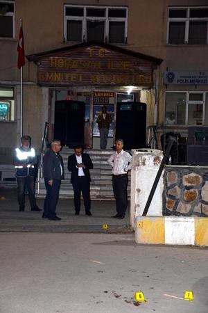 Erzurum'da polis merkezi önünde silahlı kavga: 2 Ölü