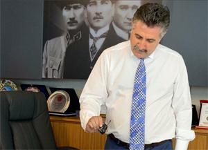 CHP Bayraklı Belediye Başkanı'nın odasında dinleme cihazı!