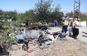 Kayseri'de kanal açma aracı evin üzerine devrildi: 4 kişi öldü!