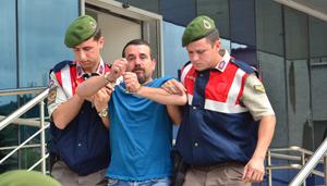 AKP'lilerin Gülen'i öven sözlerini paylaşan, CHP'li meclis üyesinin oğlu tutuklandı