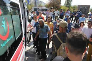 Ankara/Kızılay'da bir vatandaş kendisini yaktı!