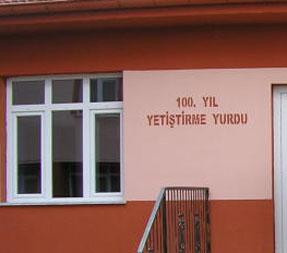 100. Yıl Yetiştirme Yurdu Müdürü serbest