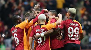 Galatasaray'ın galibiyetinde 2 futbolcu maça damga vurdu